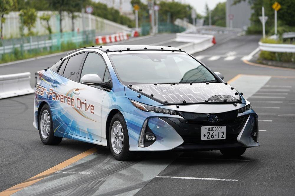"""""""Toyota Motors"""" компани""""Pruis""""-ийн шинэзагварыг туршлаа"""