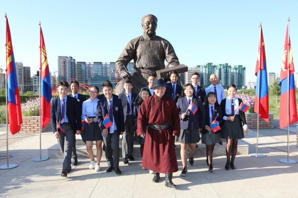 ВИДЕО: Ерөнхийлөгч эх орон, тусгаар тогтнол, монгол хэл, соёл сэдвээр теле хичээл заалаа
