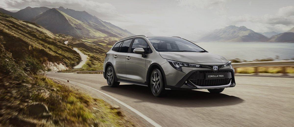 """""""Toyota"""" компани """"Corolla""""-ийн шинэ загварыг танилцуулжээ"""