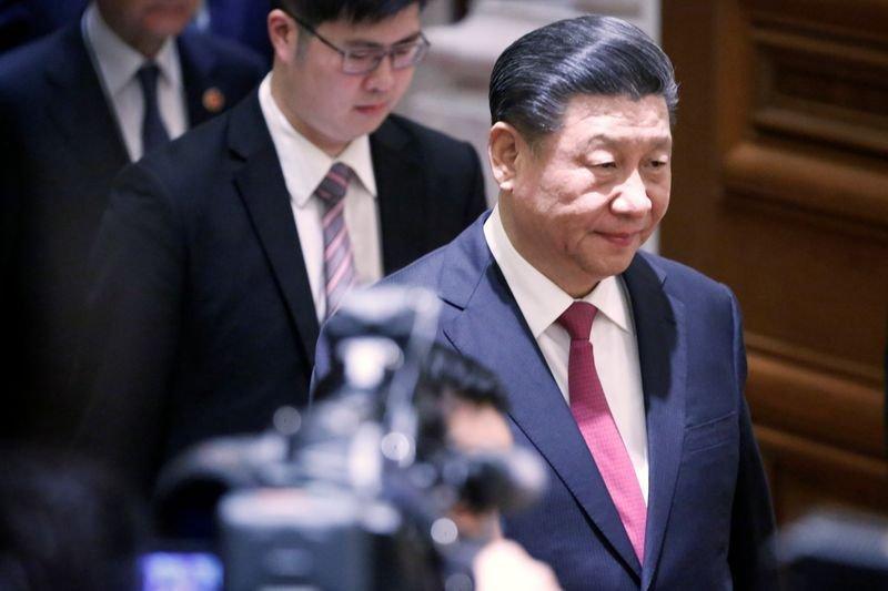 """Facebook компани Хятадын удирдагчаас """"УУЧЛАЛТ"""" гуйлаа"""