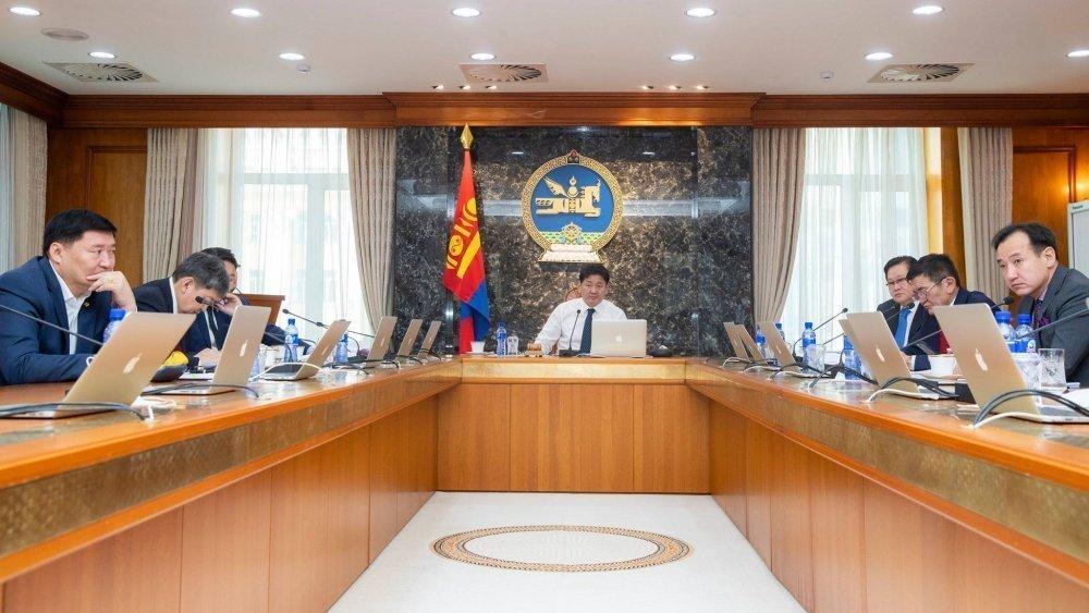 ШУУРХАЙ: Засгийн газар шинэ коронавирусийн халдвараас урьдчилан сэргийлэх чиглэлээр хуралдаж байна