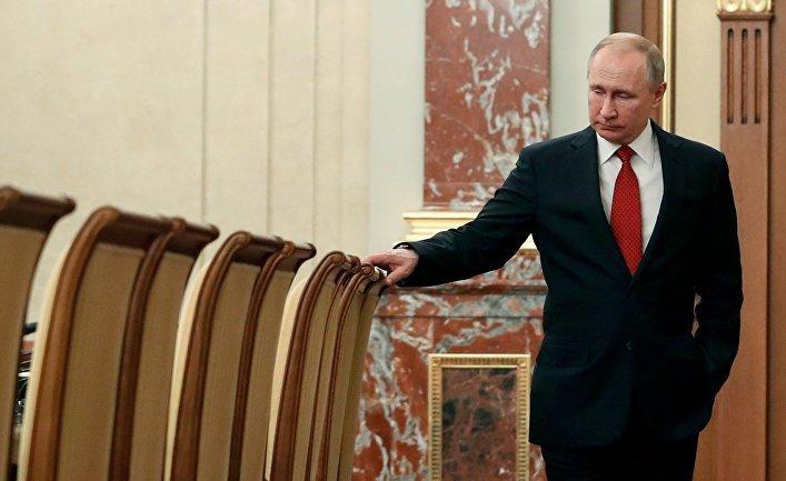 Владимир Путин парламентад илтгэл тавьсны дараа ОХУ-ын Засгийн газар огцорлоо