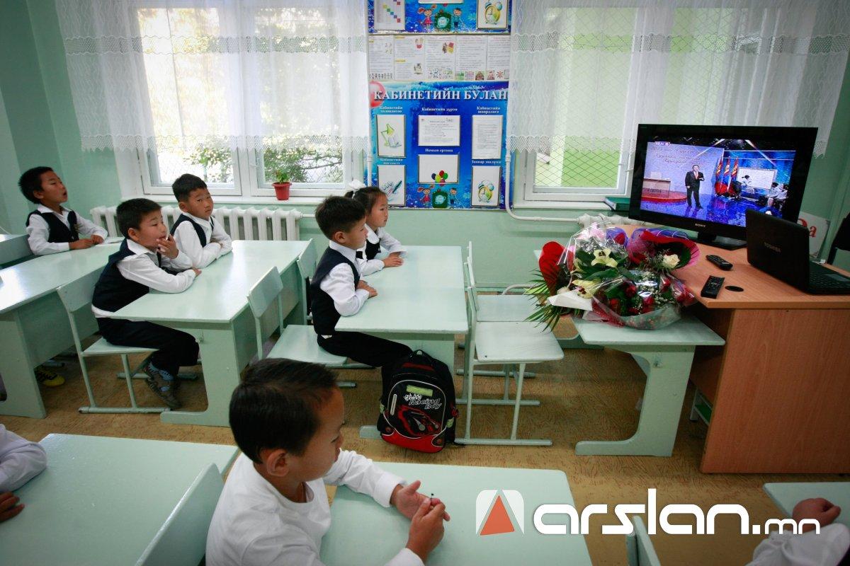 ХУВААРЬ: Ирэх даваа гарагаас 13 телевизээр сурагчдад зориулсан хичээл заана