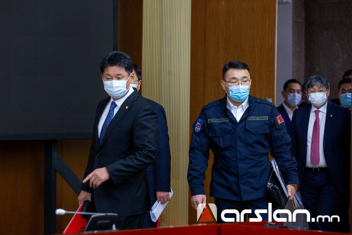 У.Хүрэлсүх: Монгол Улсын Засгийн газар ард түмнээсээ уучлалт гуйж байна