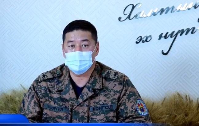 Алтанбулаг автозамын боомтоор 15 монгол жолоочийг татан авч Дархан-Уул аймагт тусгаарлажээ