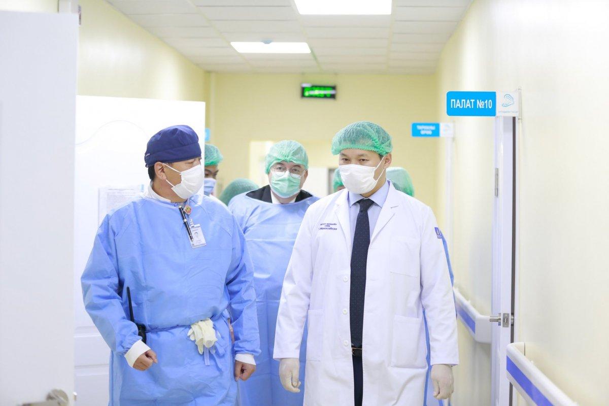 Т.Мөнхсайхан: Ковидын үед эмнэлгүүдийн Эрчимт эмчилгээний орны тоог нэмэгдүүлж, шаардагдах тоног төхөөрөмжөөр хангаж байна