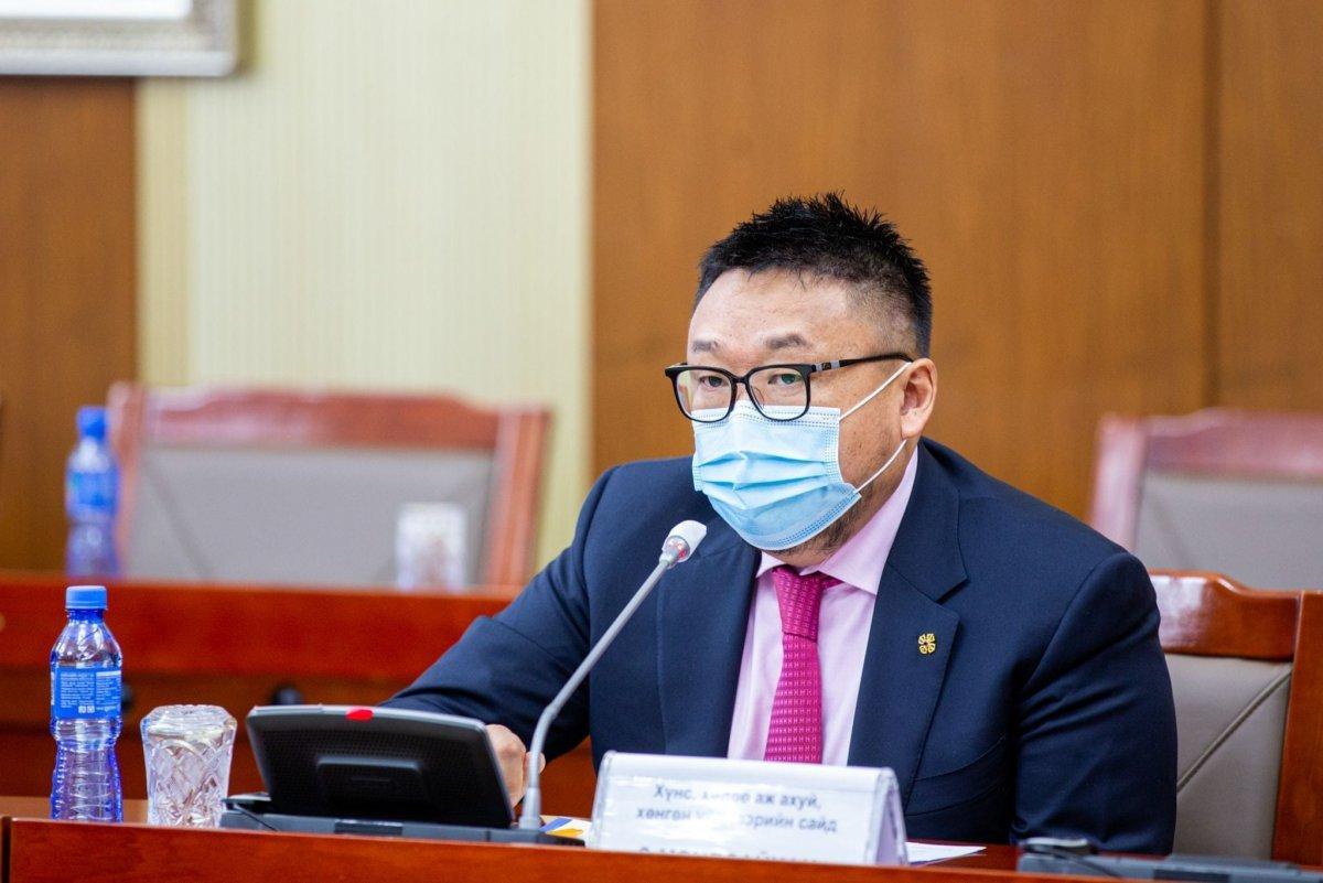 """З.МЭНДСАЙХАН: """"Монгол шуудан"""" компанийн үйлчилгээг ашиглан орон нутгаас идшээ авч болно"""