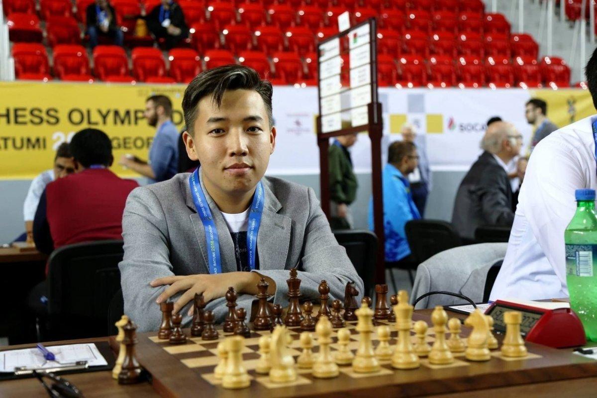 Монгол Улсаас шатрын спортын шинэ Их мастер төрлөө