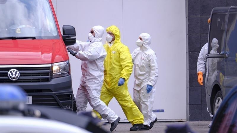 COVID-19: Испанид 12,200 гаруй эмч, эмнэлгийн ажилтан халдвар авчээ