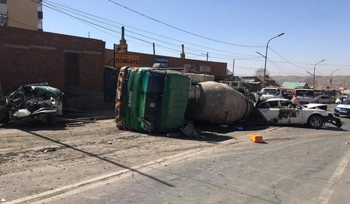 Баянхошуунд зам тээврийн ноцтой осол гарчээ