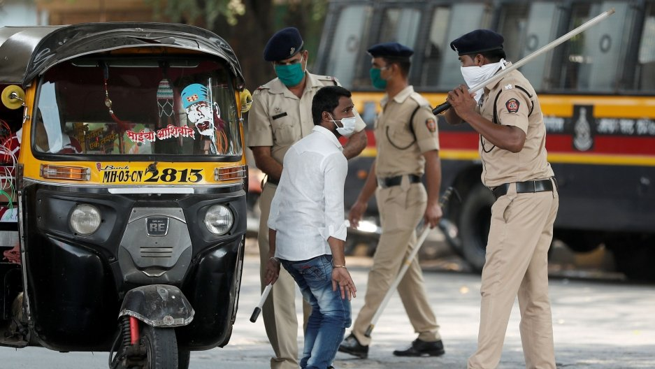 COVID-19: Энэтхэгт халдварласан хүний тоо 1000 давжээ