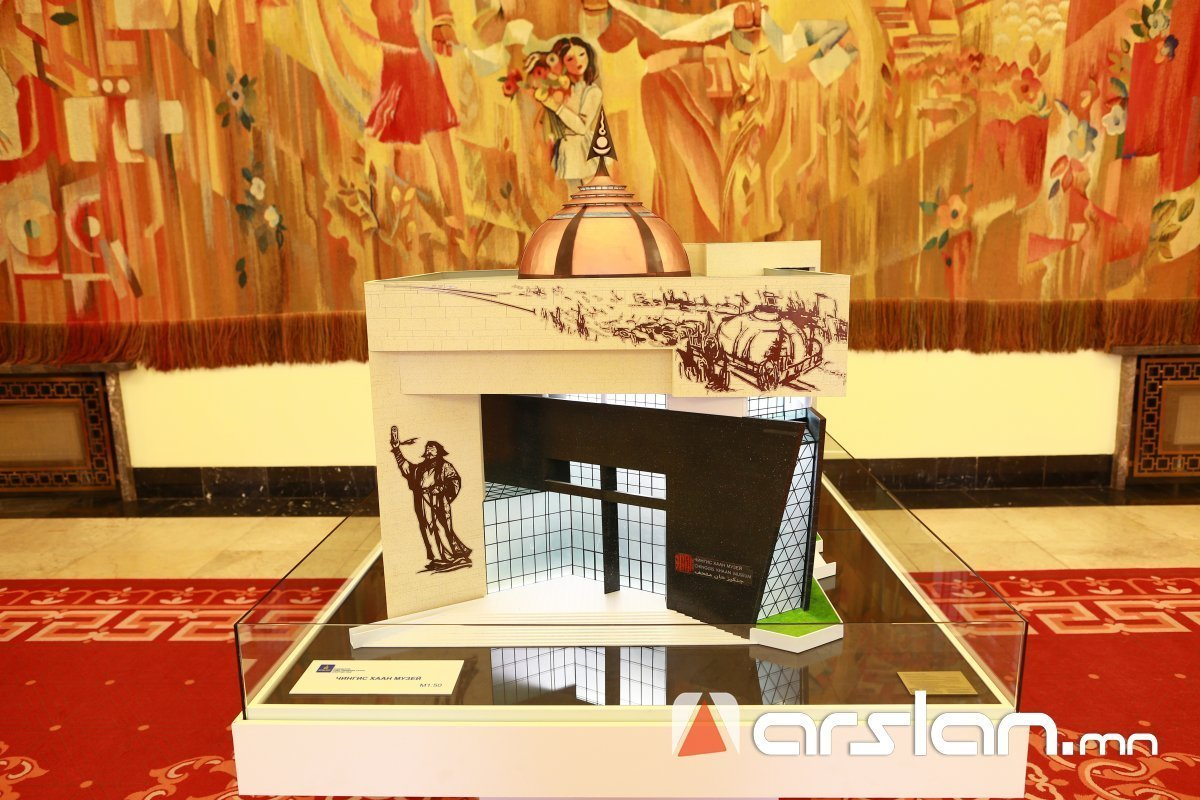 """Байгалийн түүхийн музейн буурин дээр """"Чингис хаан"""" музей барих ажлыг эхлүүлж байна"""