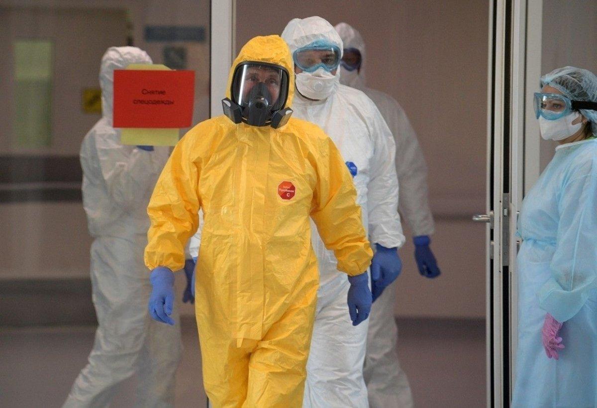 Путин халдвартай өвчтөнүүдийг эмчилж буй эмнэлэгт биечлэн зочилжээ