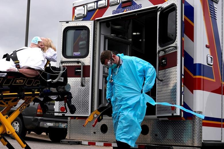COVID-19: Нэг өдөрт АНУ даяар 1,858 хүн өвчнөөр нас барж, эндэгдэл дээд хэмжээндээ хүрлээ