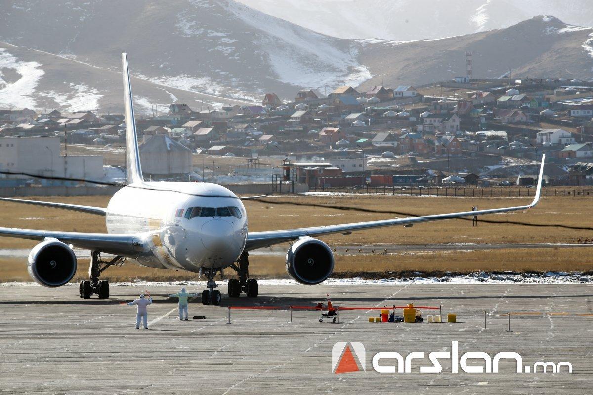 Токиогоос монгол иргэдийг авчрах тусгай үүргийн онгоц  ХӨӨРЛӨӨ