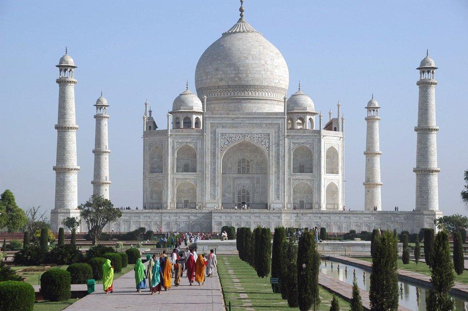 """Энэтхэг улс """"Таж махал""""-аа өнөөдрөөс хааж байгаагаа зарлалаа"""