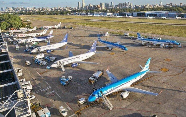 COVID-19: Аргентинд халдварын улмаас есдүгээр сар хүртэл бүх нислэгийг ХОРИГЛОЛОО