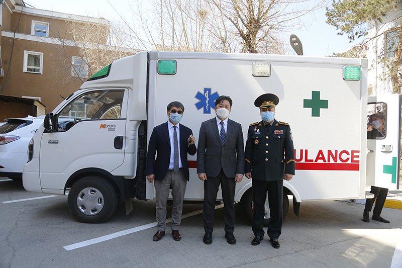 Монголбанк ХӨСҮТ-д эмнэлгийн яаралтай тусламжийн  АВТО МАШИН гардууллаа