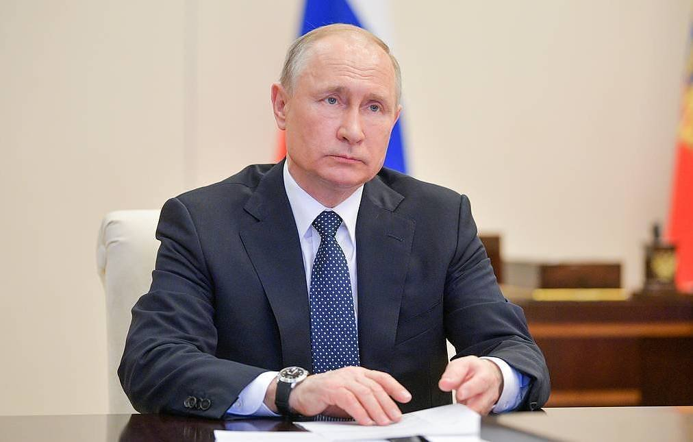 Владимир Путин ЯЛАЛТЫН БАЯРЫН парадыг хойшлуулах ШИЙДВЭР гаргалаа