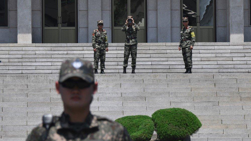 Умард, Өмнөд Солонгосын хилийн цэргүүд харилцан гал нээжээ