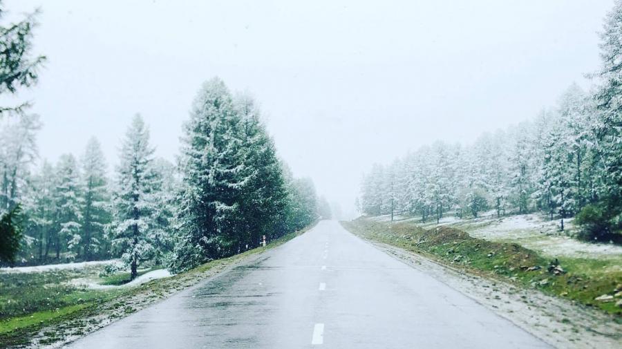 Завханд нэг өдөр, шөнийн дотор цас, бороо, мөндөр холилдон орлоо
