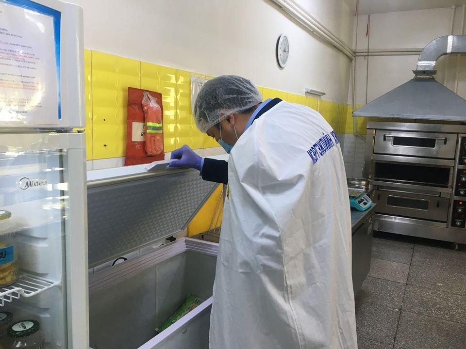НМХГ: Нийтийн хоол үйлдвэрлэл, үйлчилгээний 151 цэгт шинжилгээ хийхэд 59 хувь нь шаардлага хангаагүй