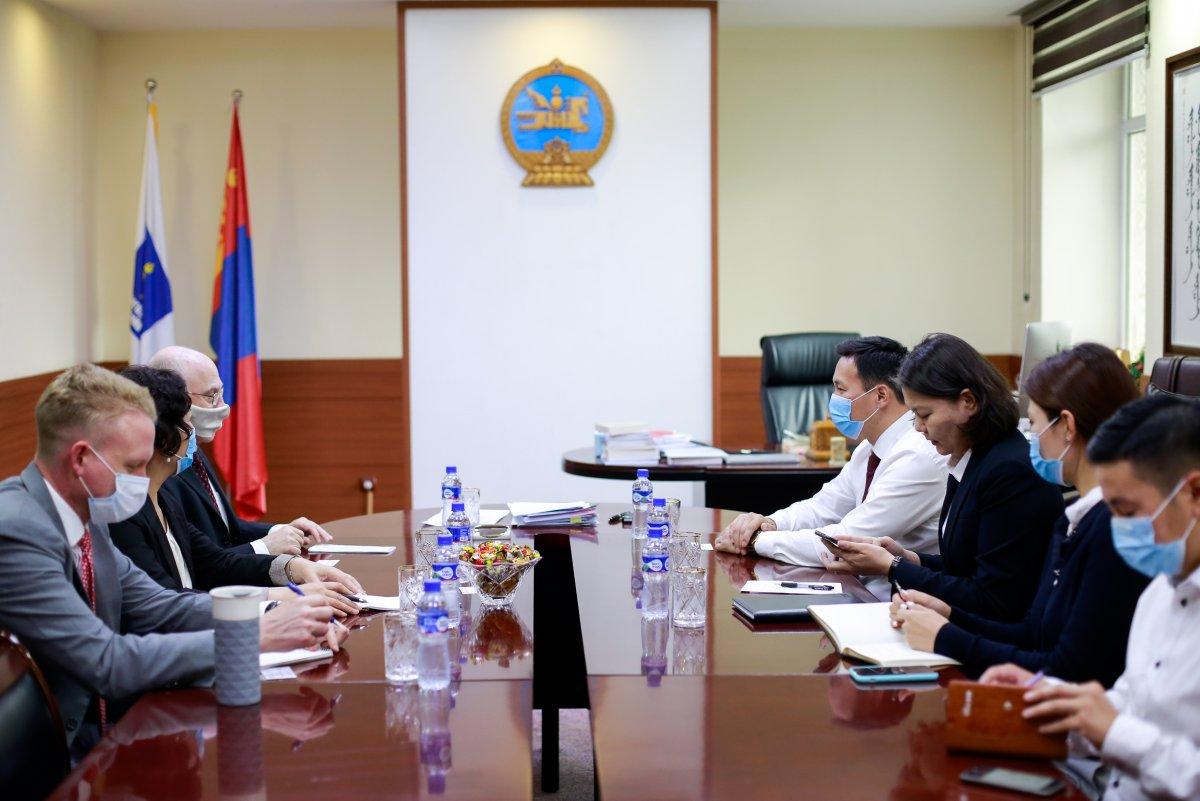 Эрүүл мэндийн сайд Т.Мөнхсайхан АНУ-аас Монгол Улсад суугаа элчин сайдыг хүлээн авч уулзлаа