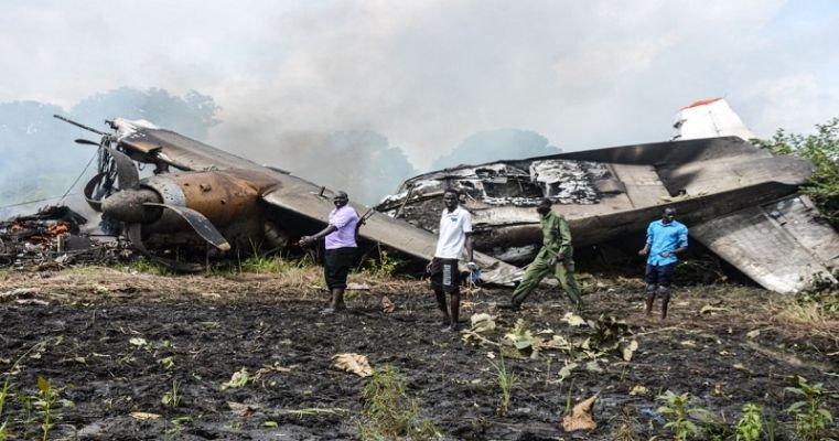 Өмнөд Суданд ачааны онгоц осолдож, 17 хүн амиа алджээ