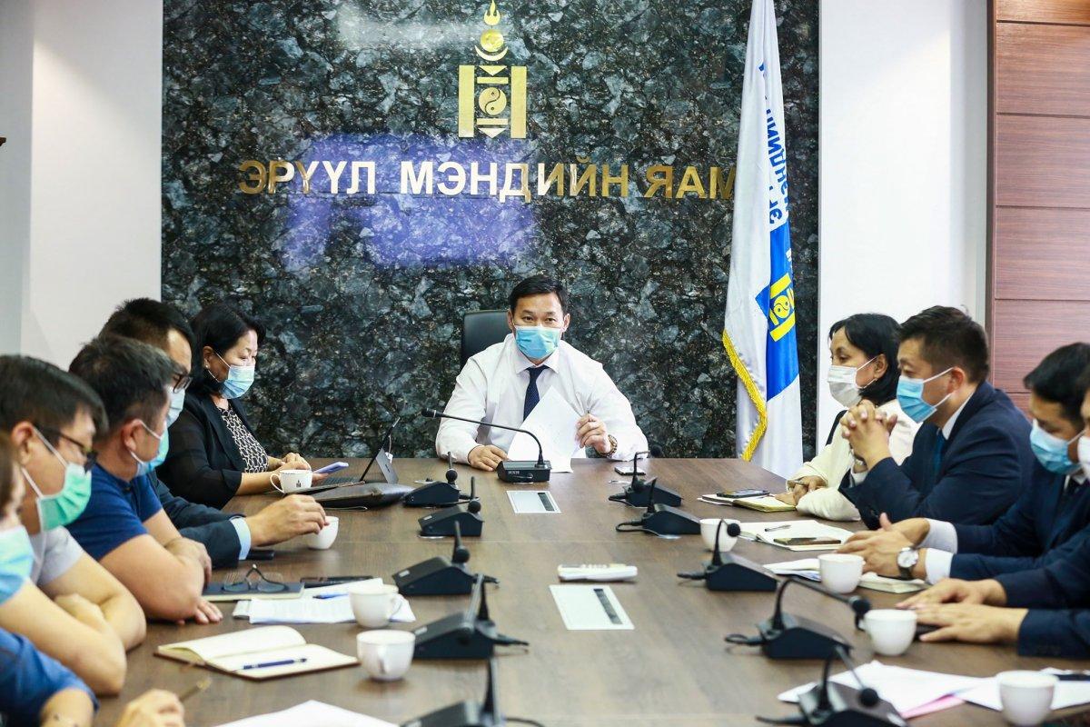 Т.МӨНХСАЙХАН: Орон нутгийн эмнэлгүүдийн чадавх дээшилснээр иргэд заавал Улаанбаатар хотод ирж цаг, мөнгөө үрэхгүй