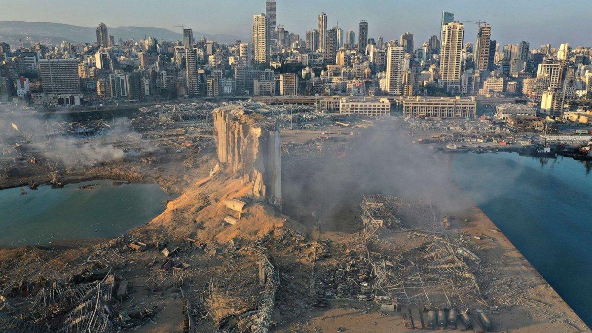 ФОТО: Бейрутад болсон дэлбэрэлтийн улмаас 100 гаруй хүн амь үрэгдэж, 3.7 мянган хүн шархаджээ
