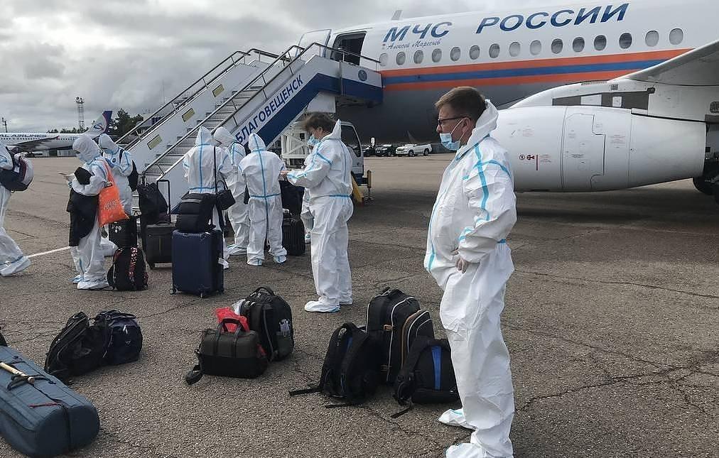 ОХУ-ын Ерөнхий сайдыг дагаж явсан сэтгүүлчид халдвар авчээ