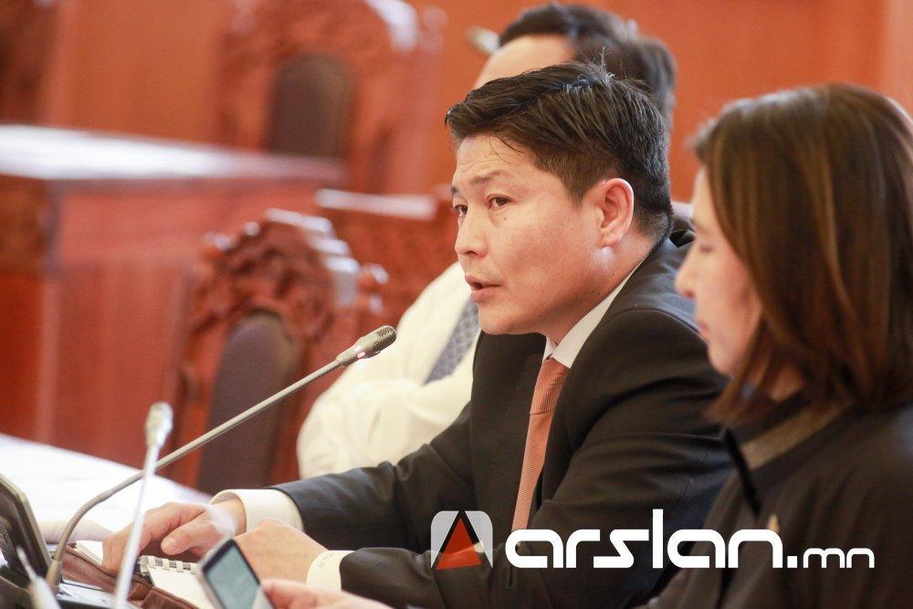 Х.НЯМБААТАР: Намрын ээлжит чуулганаар хэлэлцэх асуудлаас хасагдсан 7 хуулийн төслийг оруулах саналтай байна