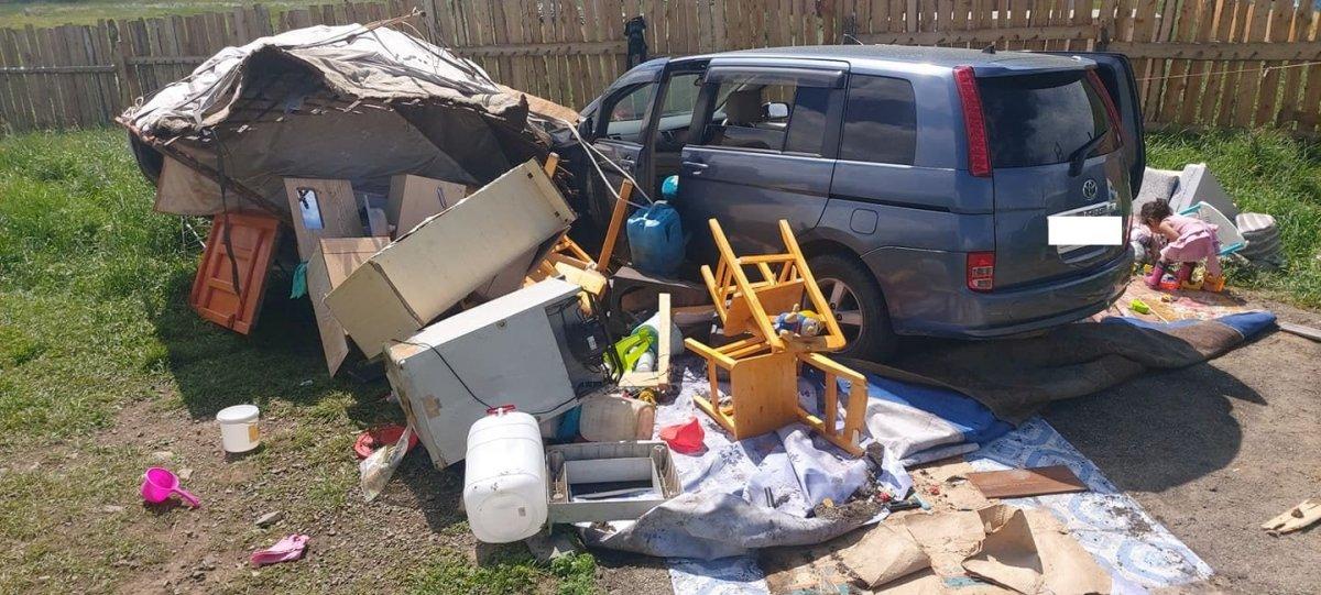 ШУУД: Согтуу жолооч айлын гэр дайрч хоёр хүүхэд, нэг том хүн хүнд бэртжээ