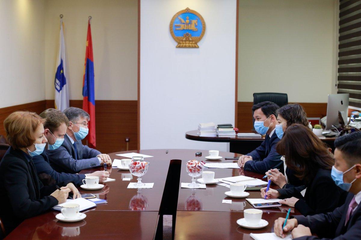 И.К.Азизов: COVID-19-ийн вакцины туршилт амжилттай болбол Монголд нийлүүлэхэд бэлэн