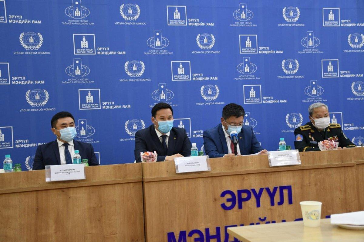 Монгол Улсын шадар сайд, Эрүүл мэндийн сайд нар сэтгүүлчидтэй зангиагүй уулзалт хийлээ