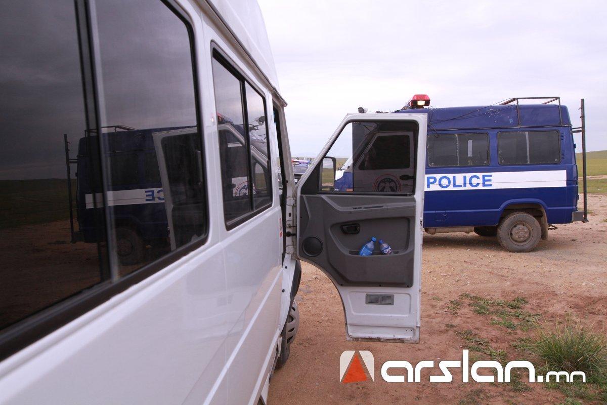 СЭРЭМЖЛҮҮЛЭГ: Автобус болон суудлын автомашин мөргөлдсөний улмаас хоёр хүн нас барж, 11 иргэн гэмтжээ