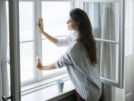 ЗӨВЛӨГӨӨ: Өрөө тасалгааны цонхыг 2 цаг тутам 10-20 минут нээж, агаар сэлгээрэй