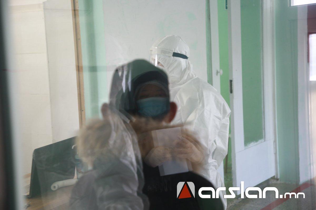 АРХАНГАЙ: Батлагдсан нэг тохиолдол болон ойр харьцсан 14 хүнийг Улаанбаатар хот руу зөөвөрлөж байна