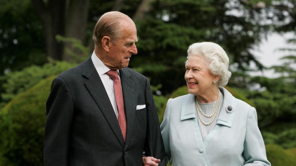 Их Британийн хатан хааны нөхөр, хунтайж Филип 99 насандаа таалал төгсжээ