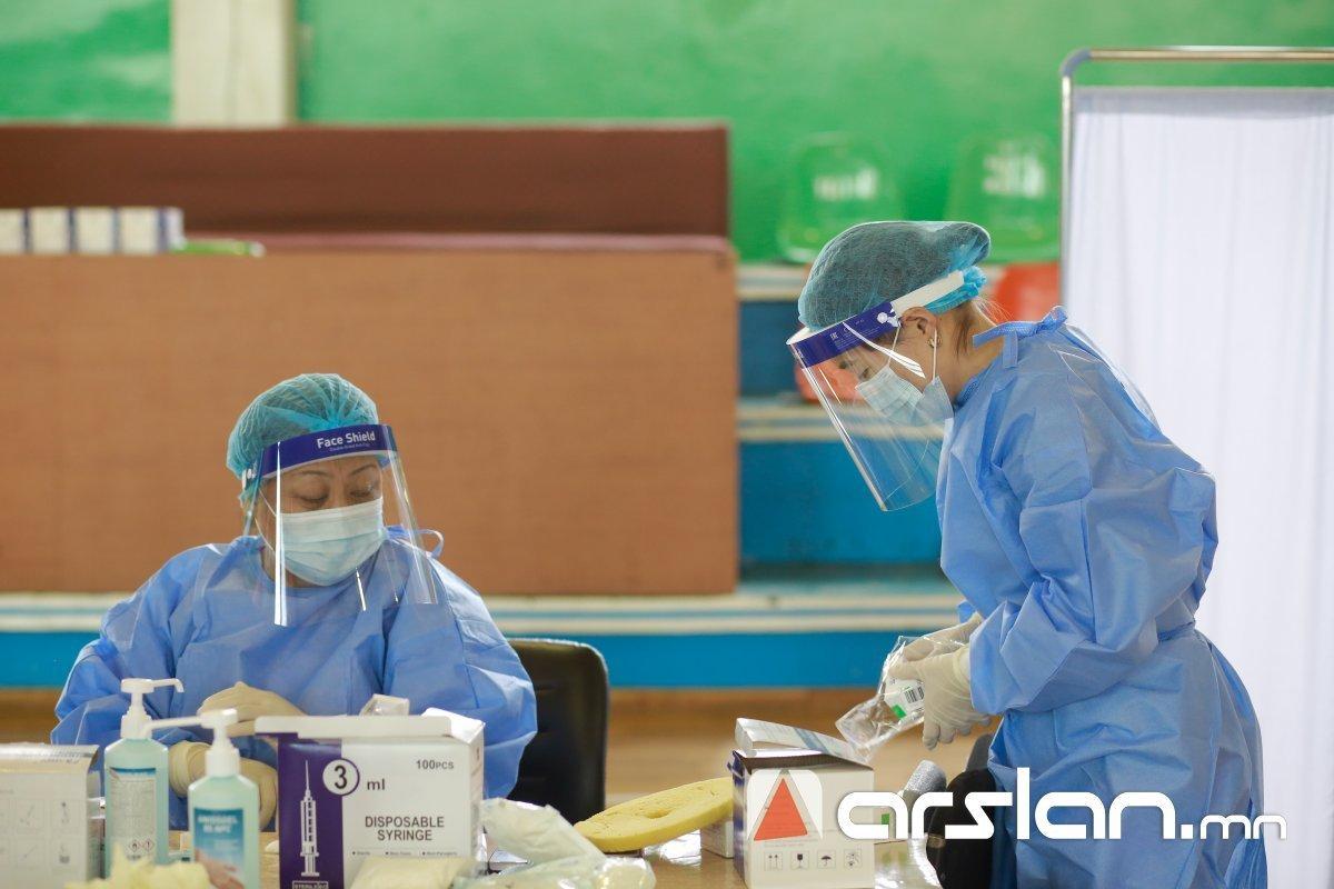 ЭМЯ: 65-аас дээш насны иргэдийг Спутник-V вакцинаар дархлаажуулах ажил маргааш эхэлнэ