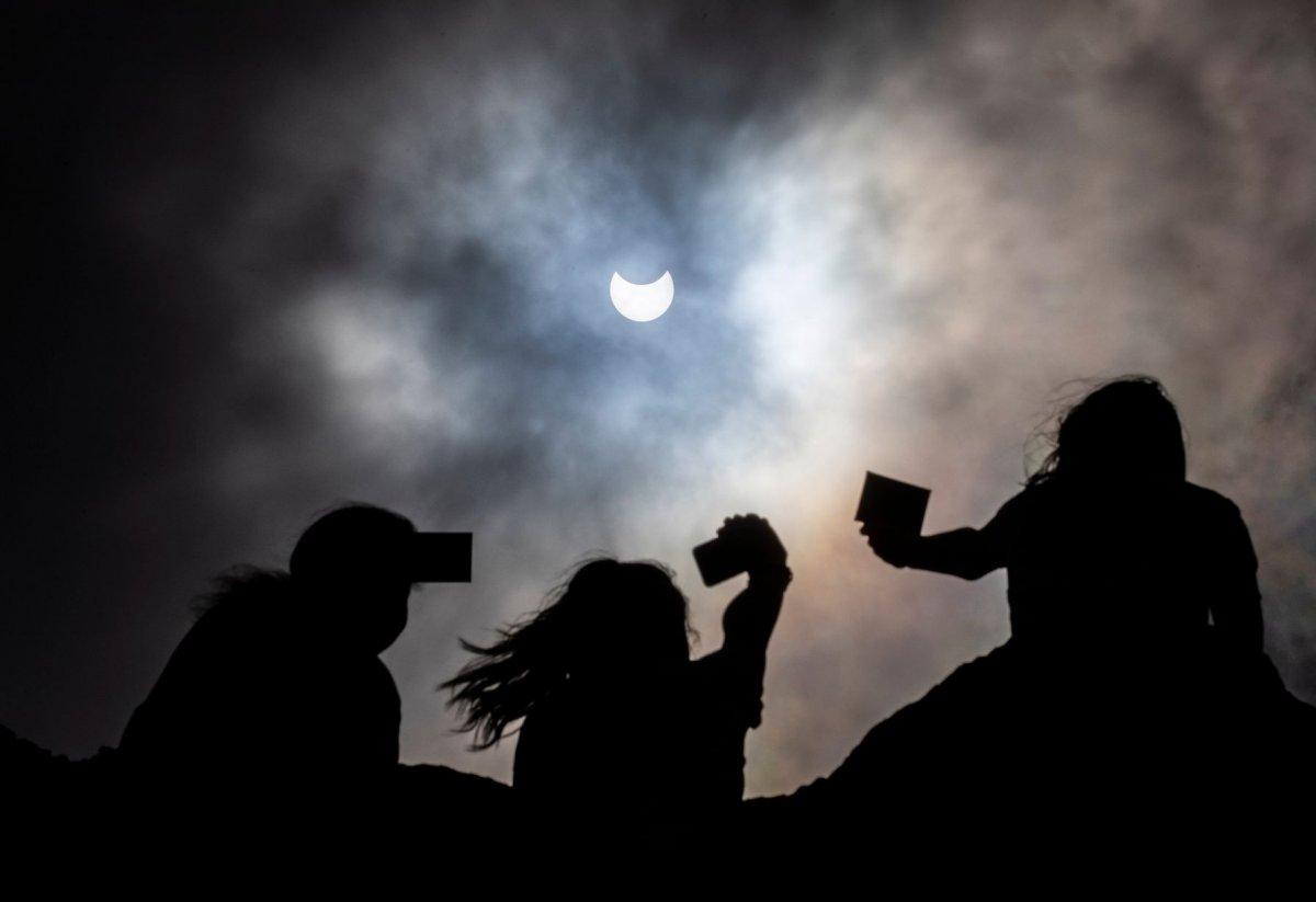 ФОТО: Нарны хиртэлт дэлхийн орнуудад хэрхэн үзэгдэв