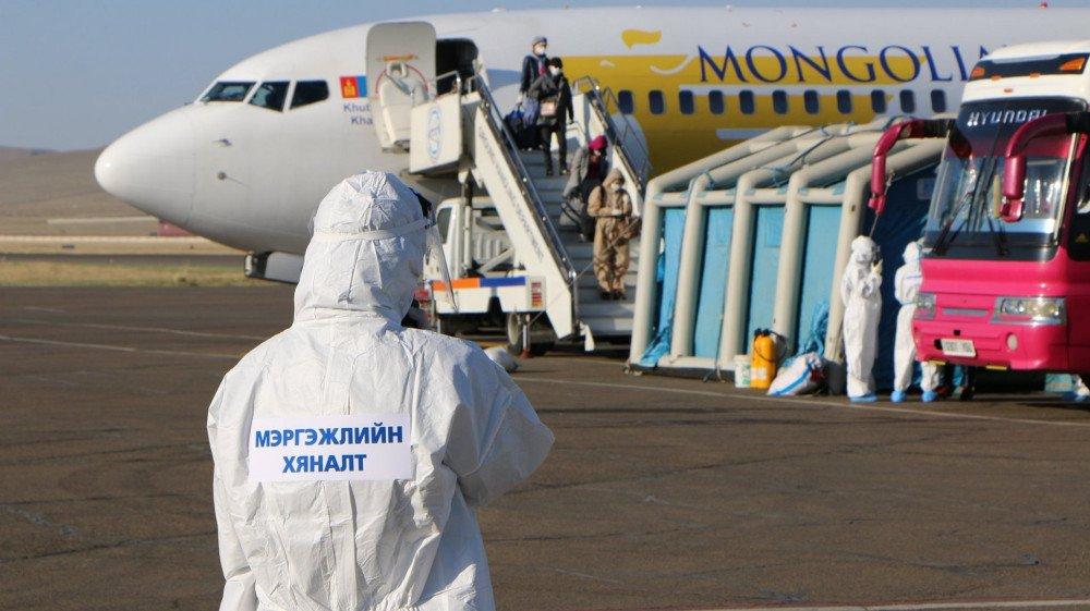 Ханой-Улаанбаатар чиглэлийн тусгай үүргийн онгоцоор 77 иргэн иржээ