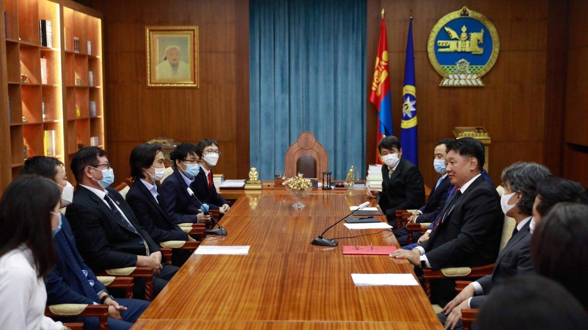 Монгол Улсын Ерөнхийлөгч У. Хүрэлсүх зарлиг гаргахаар боллоо