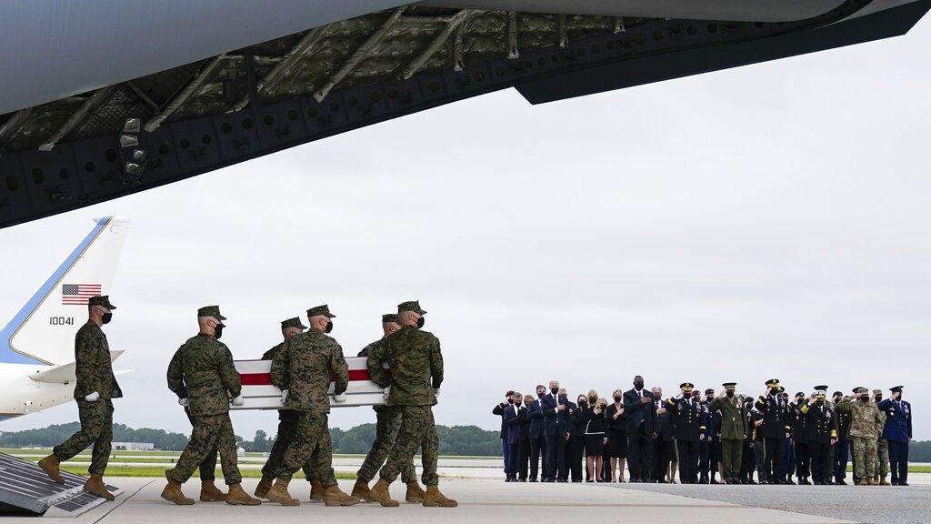 Жо Байден Афганистанд амь эрсэдсэн цэргүүдэд хүндэтгэл үзүүллээ