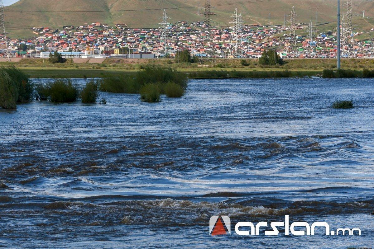 СЭРЭМЖЛҮҮЛЭГ: Туул голын усанд живсэн 15 настай хүүгийн цогцсыг олоогүй байна