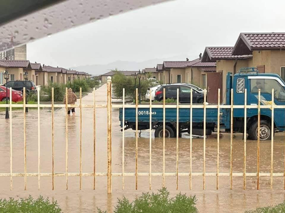 Өмнөговь аймагт 19 айлын гэр, байшин, хашаа уруйн үерт автжээ