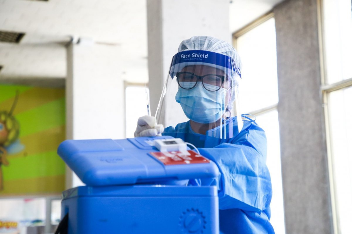 УНТЭ архаг хууч өвчтэй иргэдийн вакцинжуулалтад хамруулж эхэллээ