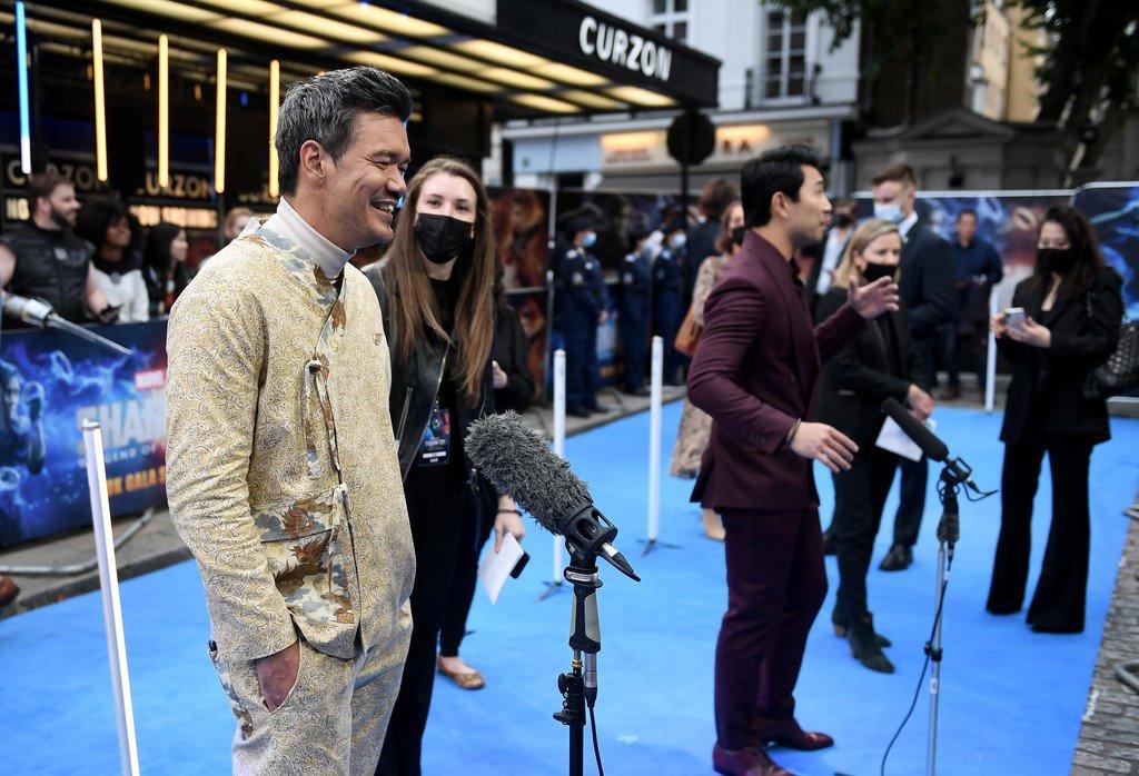 Shang-Chi киноны найруулагч Монголын BABA брендийн хувцсаар гангарчээ