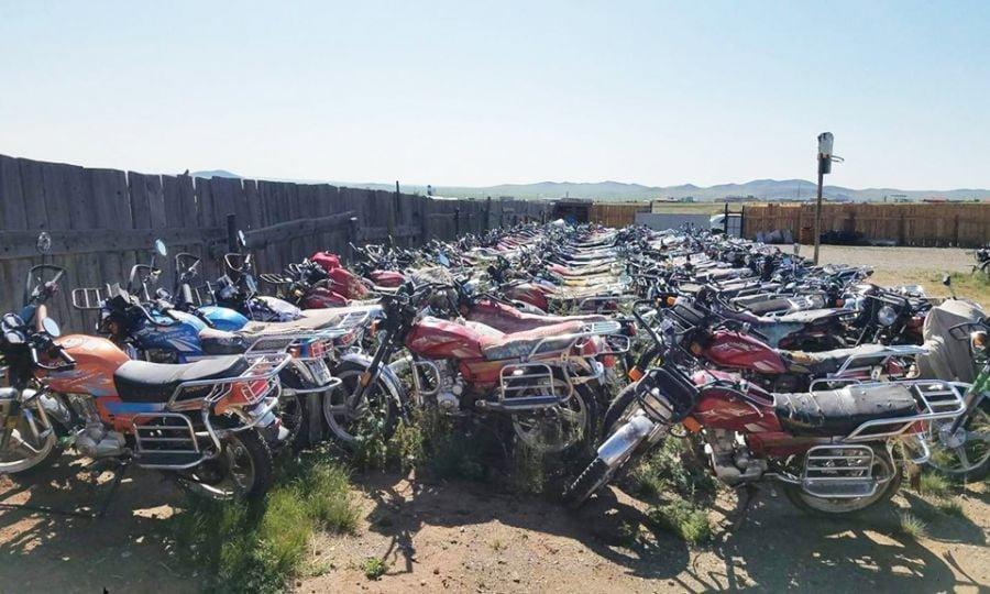 Журмын хашаанд эзэд нь гаргасан зөрчлөө шийдвэрлүүлээгүй 100 гаруй тээврийн хэрэгсэл байна