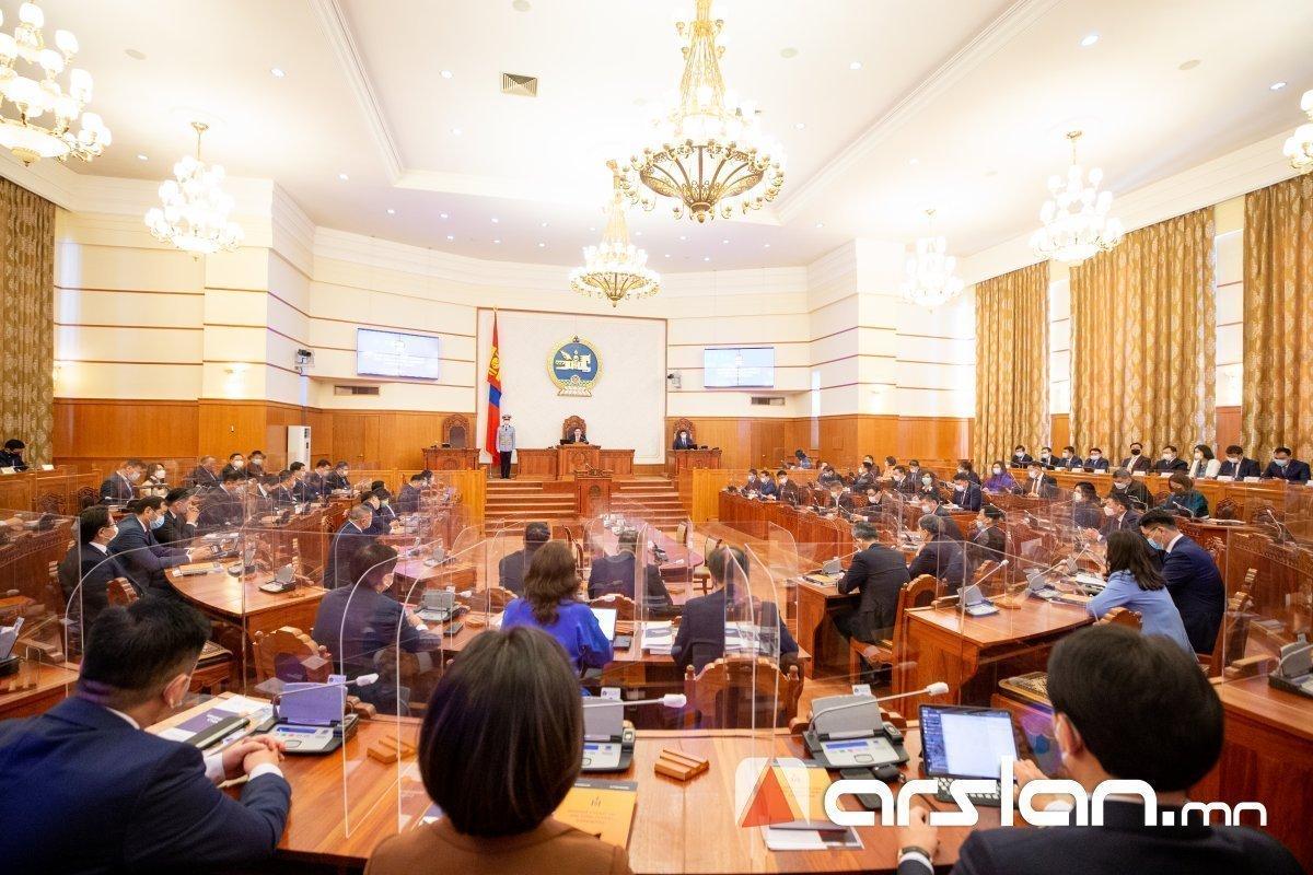 Монголын улс төрчдийн олон нийттэй харилцах арга нь зөвхөн ШОУ, ЖҮЖИГ болсон...